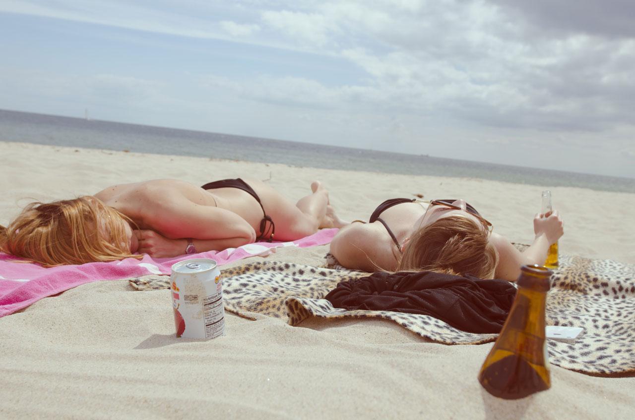 beach-sun-tan